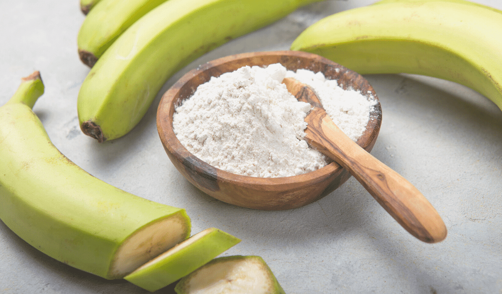 green banana flour with bananas